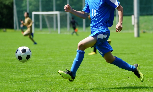 サッカー】フリーでボールをもらうコツ | ジュニアサッカーの上達練習指導法